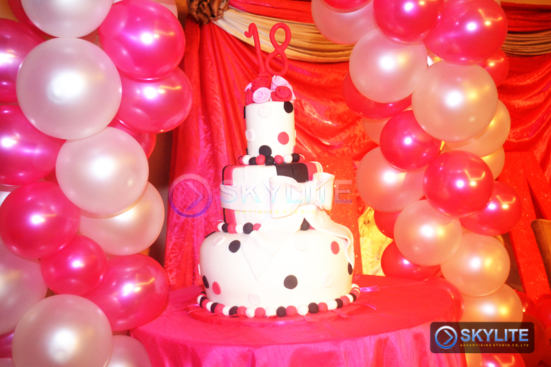Balloon decor package 2 skylite advertising studio co inc for Balloon decoration packages
