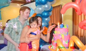 mia_at_first_birthday_00024
