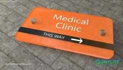 door_sign_6-25x11_acrylic_plastic_medical_clinic00002