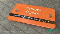door_sign_6-25x11_acrylic_plastic_private_room00002