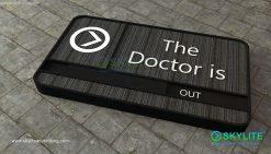 door_sign_6-25x11_fabric_doctor_is_in00002