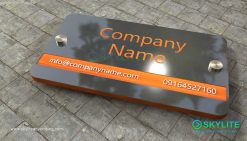 door_sign_6-25x11_metal_etching_company_sign00002