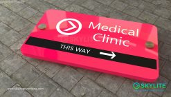 door_sign_6-25x11_painted_versaboard_medical_clinic00002