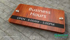 door_sign_6-25x11_purewood_withLaminates_business_hours00002