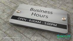door_sign_6-25x11_versaboard_withWoodVinyl_business_hours00002