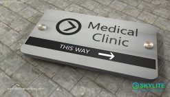 door_sign_6-25x11_versaboard_withWoodVinyl_medical_clinic00002
