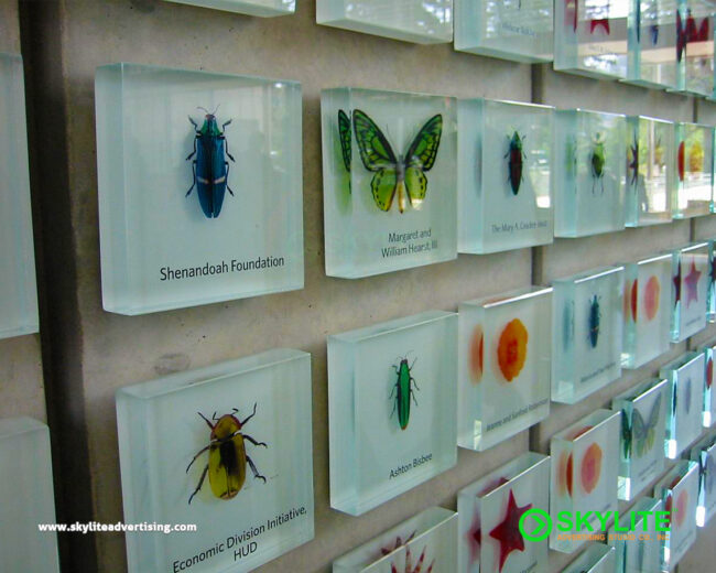 Acrylic-or-Glass-Wall-Signs